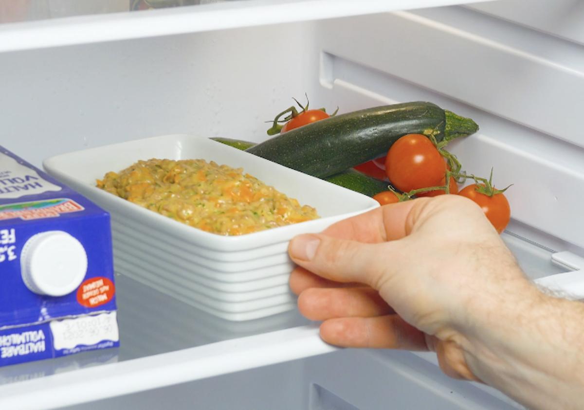 Miscela di carne macinata e verdure in frigorifero