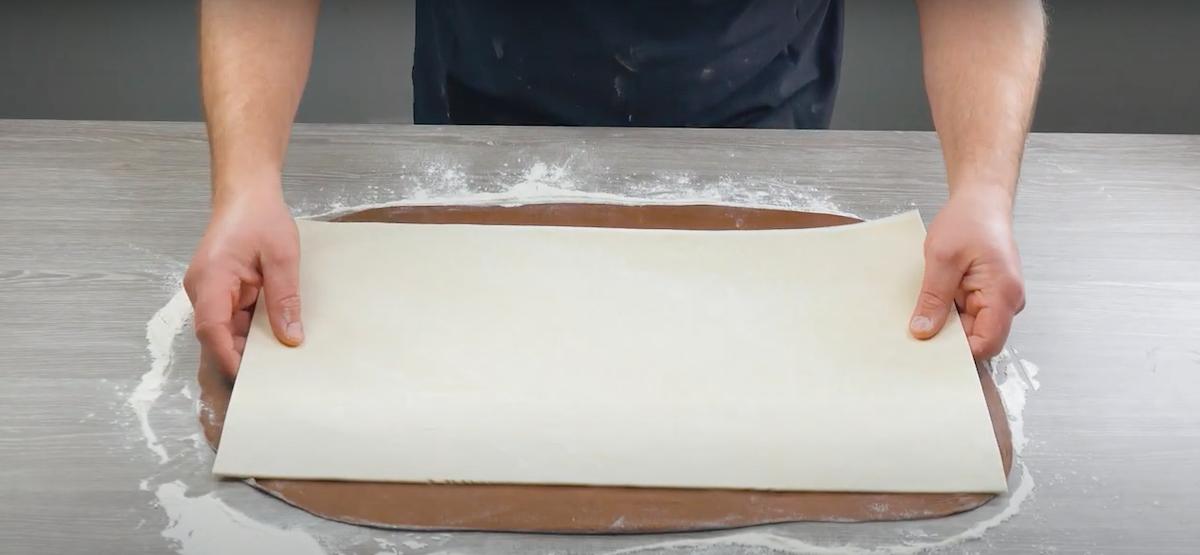 Pasta sfoglia sulla pasta lievitata