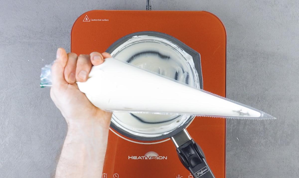 Tasca da pasticciere con crema al cocco