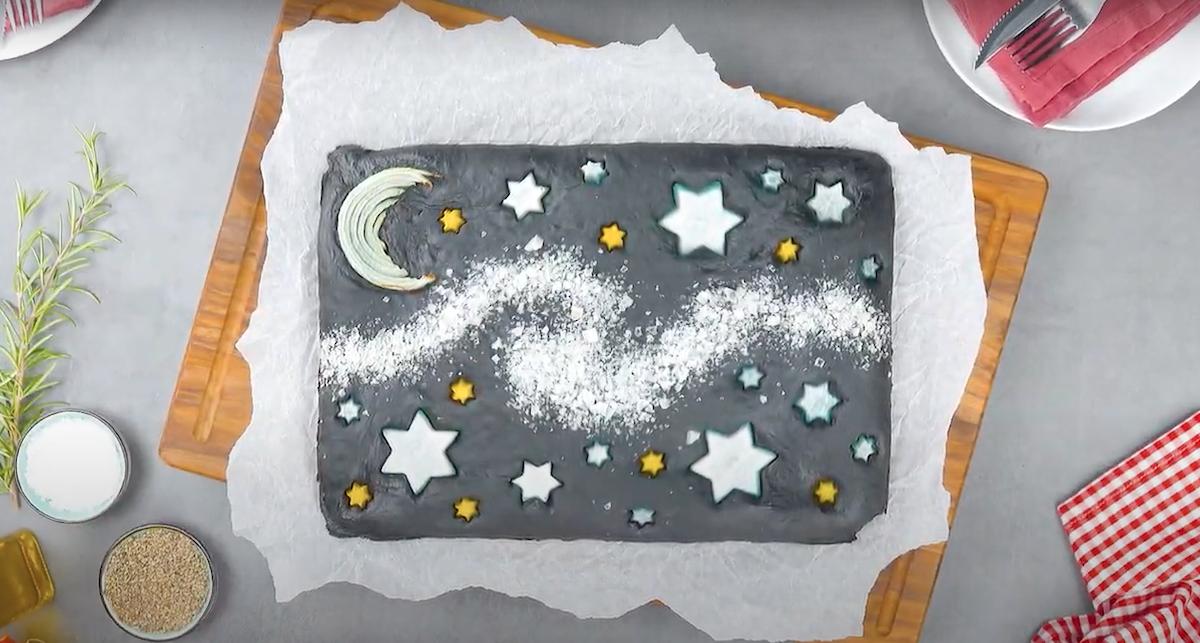 Focaccia a forma di notte stellata