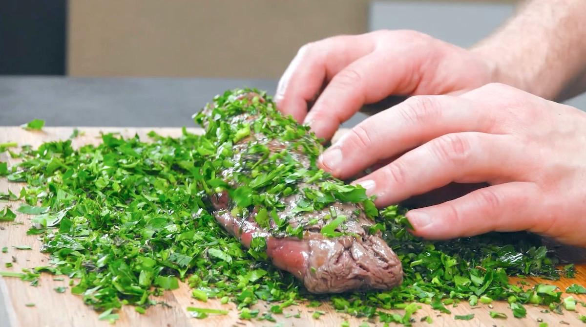 Filetto di manzo impanato nelle erbe aromatiche