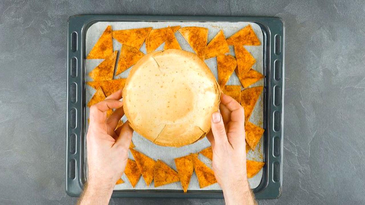 Ciotola di tortillas e tortilla chips