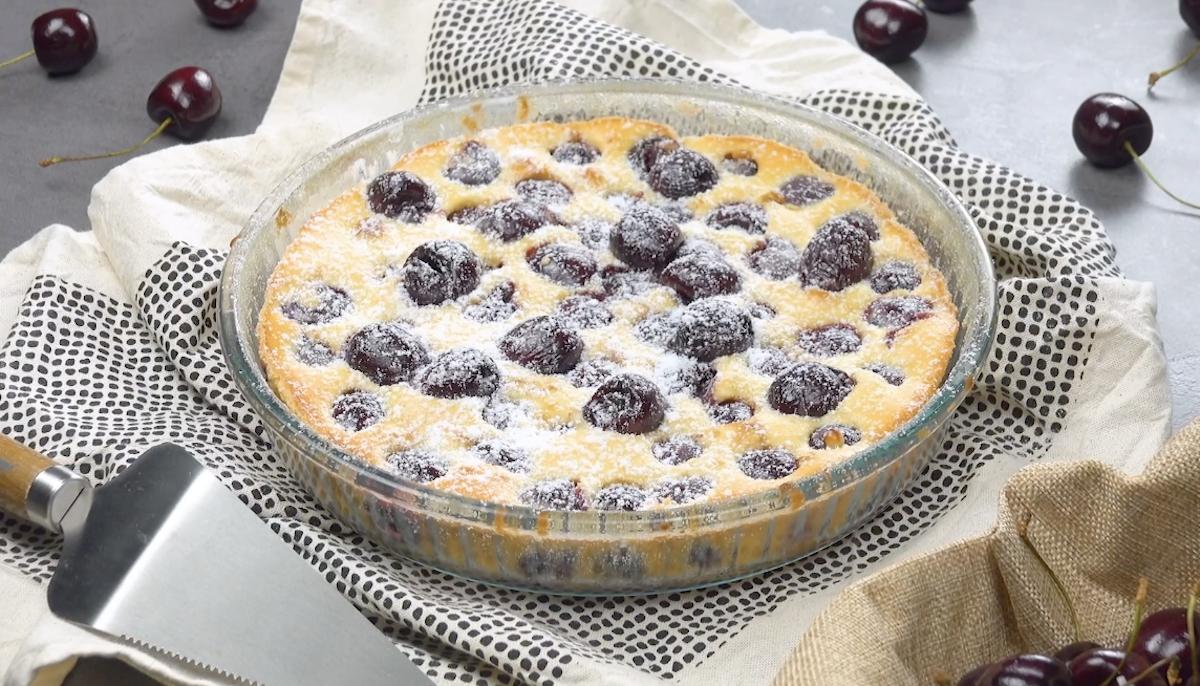Torta cheesecake alla ciliegia