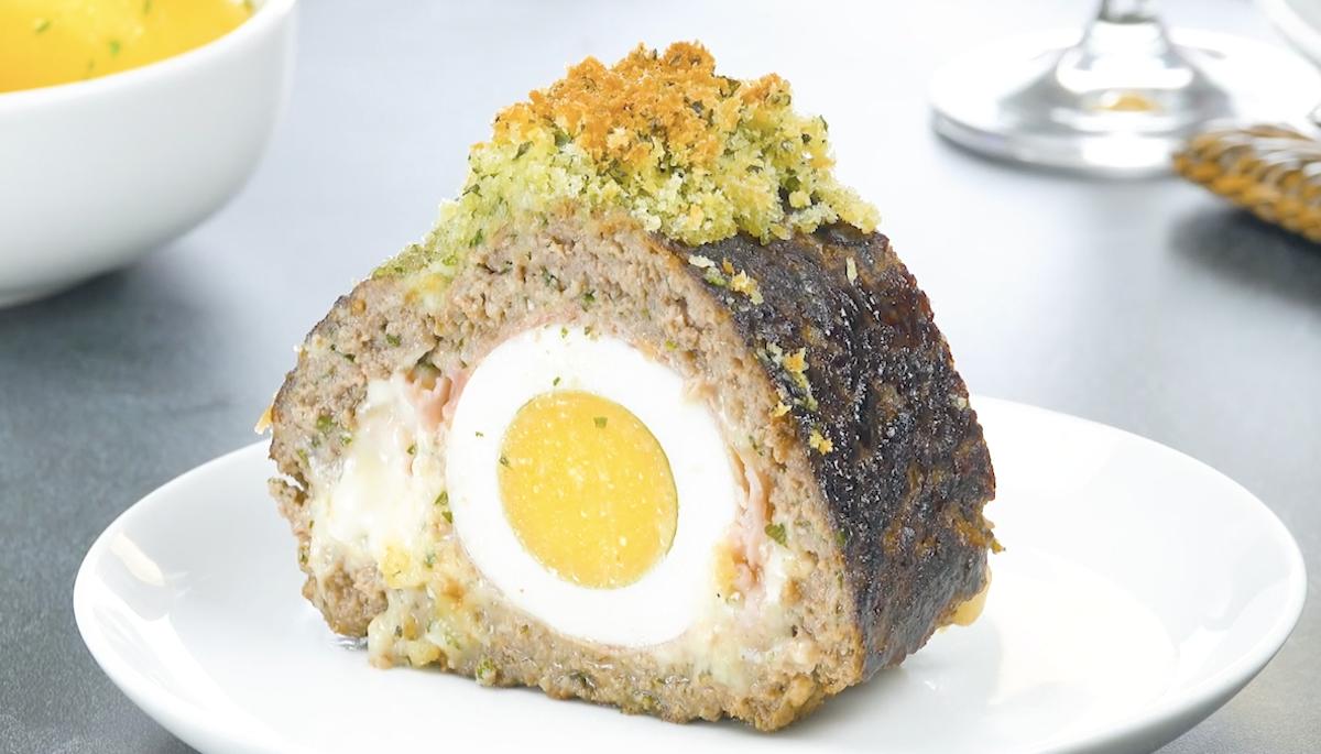 Polpettone ripieno di prosciutto cotto, uova e formaggio