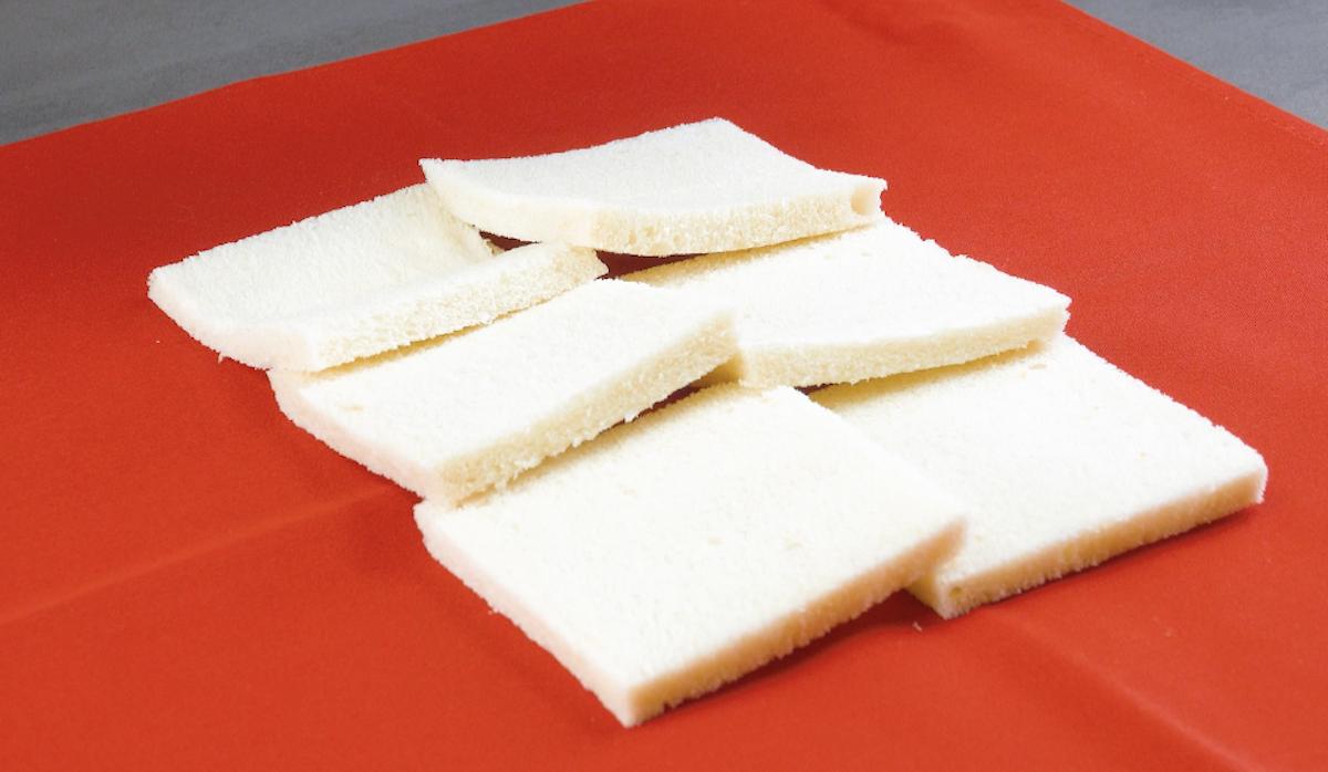 Fette di pancarrè senza crosta sovrapposte