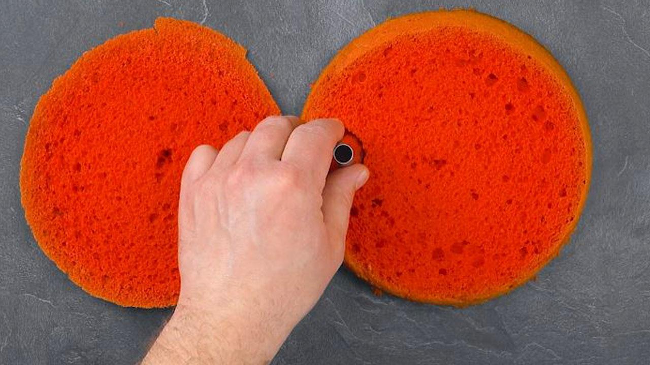 Dischi di pan di Spagna color rosso