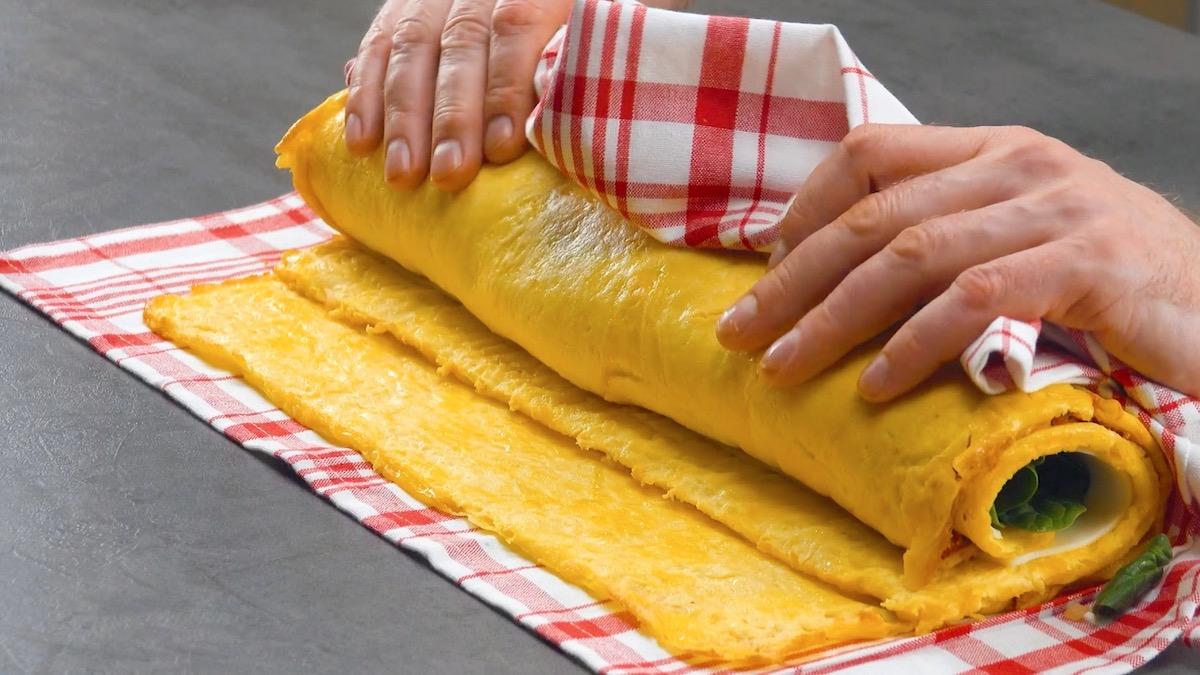 Rotolo di frittata ripiena