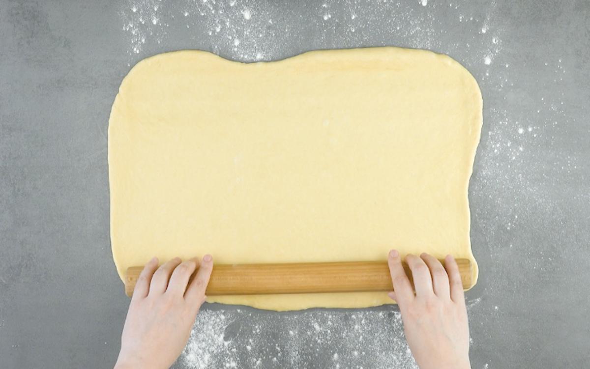 Pasta lievitata stesa col matterello