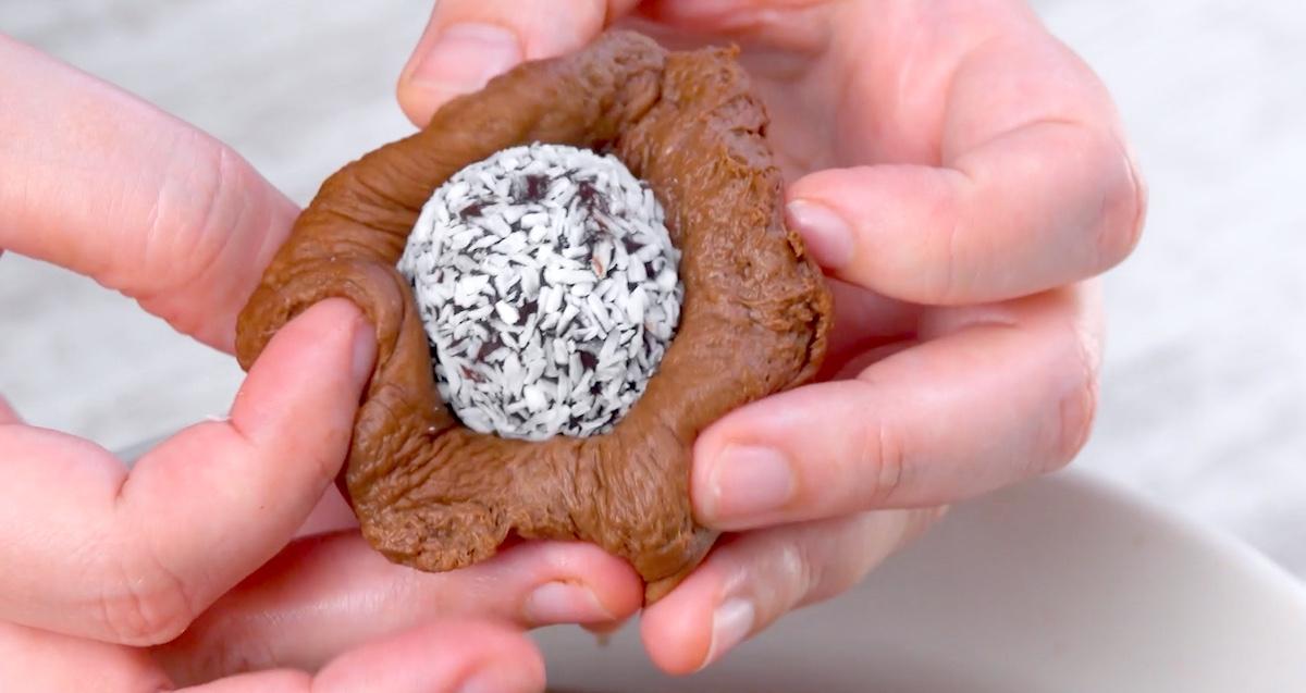 Brigadeiro al cioccolato avvolto nel pan brioche