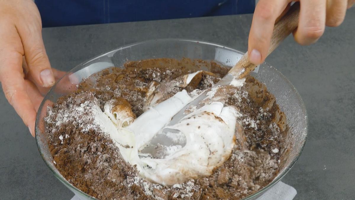Impasto della torta al cioccolato