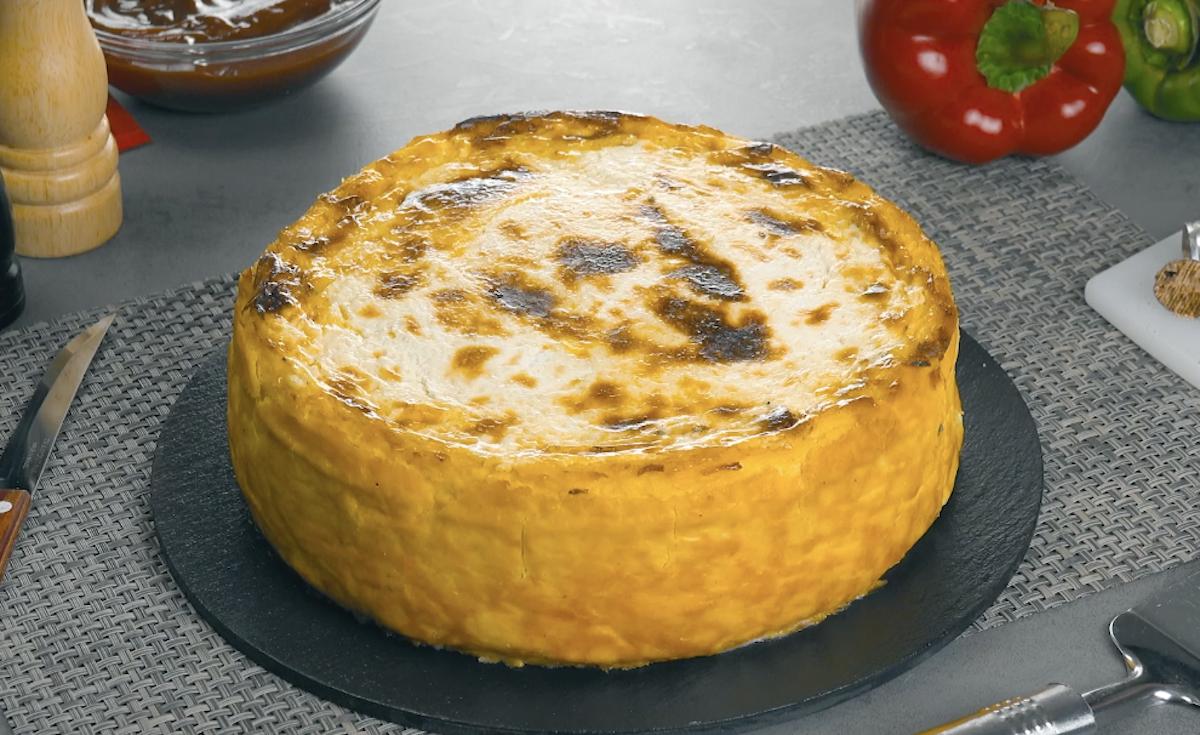 Torta salata con purè di patate al forno e carne macinata